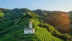 Paesaggio_Conegliano_Valdobbiadene-1700x956